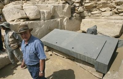 Фото раскопок в Саккаре