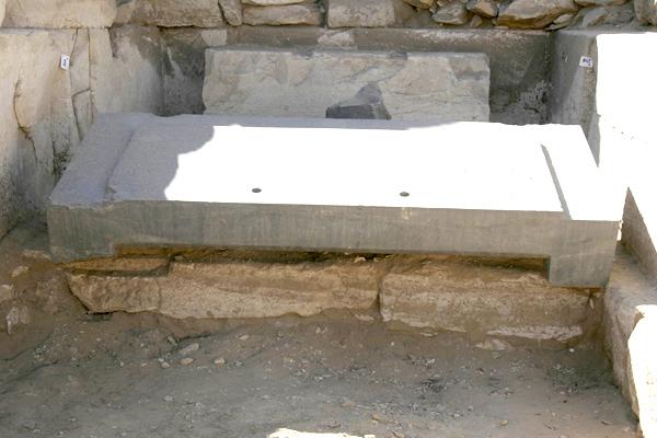 Фото крышки саркофага